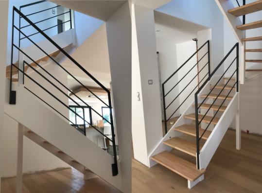 Création TECA Escalier bois garde-corps métal